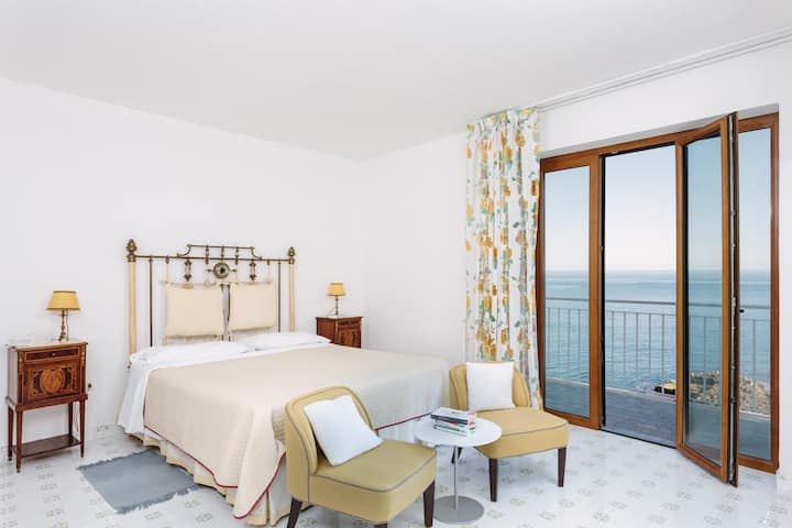 Giuggiulena Classic Room with balcony and sea view