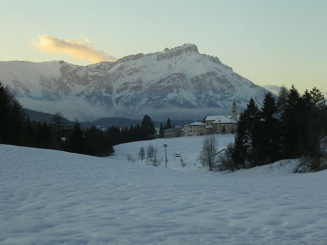 neve!   le piste da sci vi aspettano a Lavarone