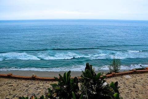 Casa Luna - Oceanfront getaway in Baja