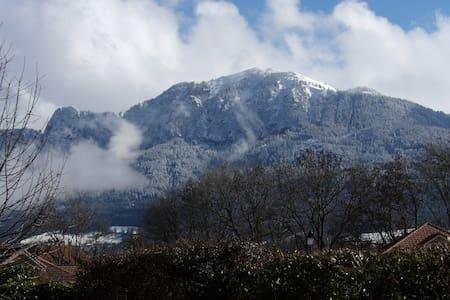 Villa entre Lacs et Montagnes - Etaux