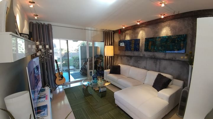 Stunning Studio minutes from Old Town Scottdale!