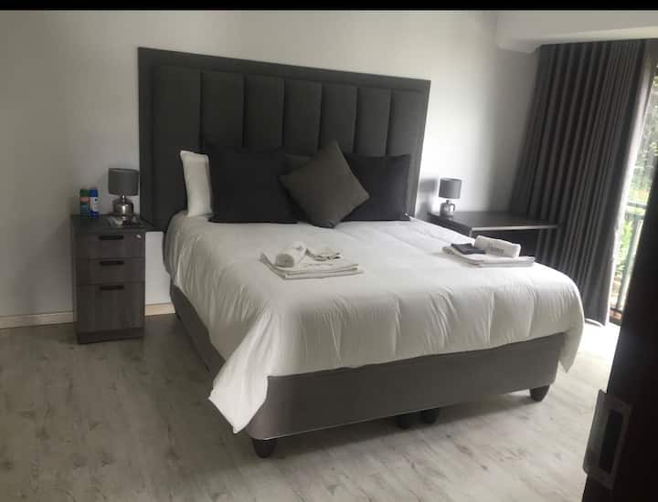 Kosmos Lodge - Room 5 (Side View)