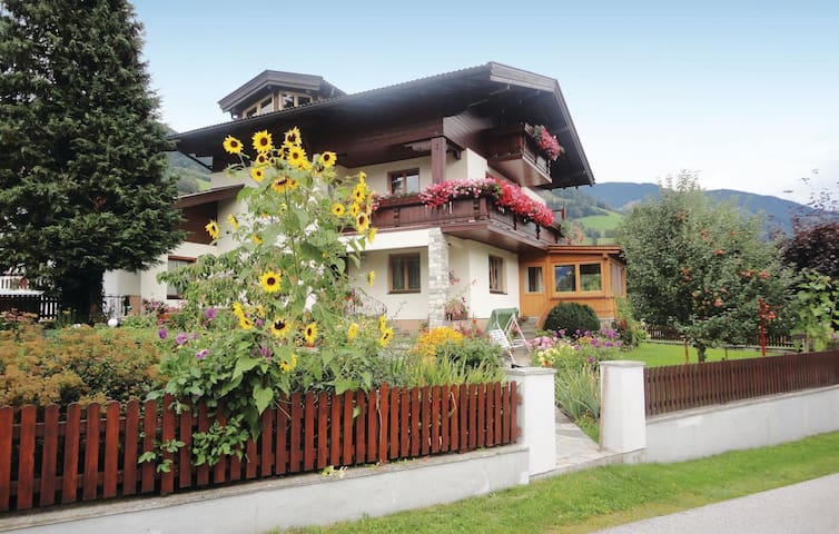Holiday apartment with 2 bedrooms on 50m² in Piesendorf