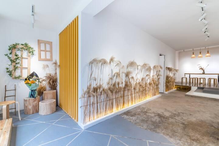 凯里市中心—臻合居—投影空调大阳台三居室