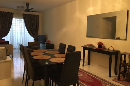 Apartment with 3 Bedroom (Entire Home), Shah Alam - Shah Alam - Wohnung