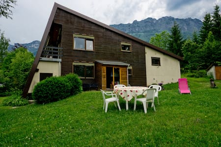 Appartement rez-de-jardin  face à Belledonne