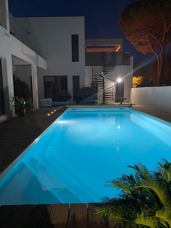Magnifique villa avec Piscine à 100 m de la plage