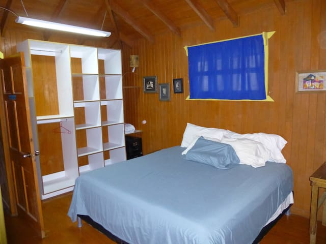 Charming blue and white cabin - Tamarindo - Cabane