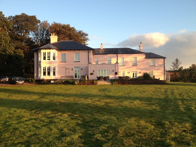 Luxury Bed and Breakfast - Exeter - Bed & Breakfast