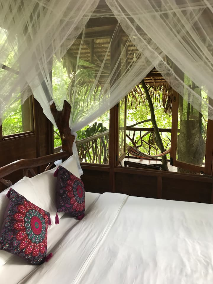 Higher Ground Treehouse Ella 140sqm over 2 levels