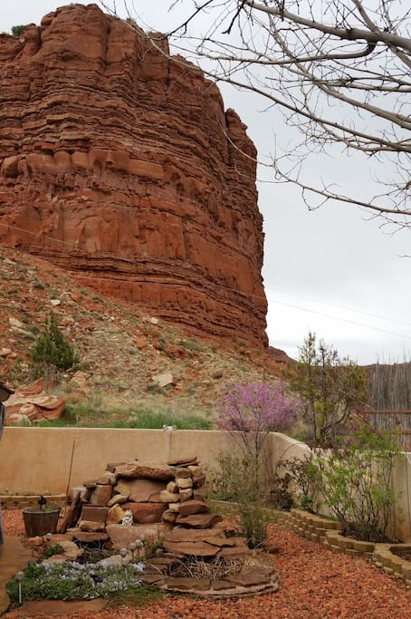 The vermilion cliffs directly behind the backyard.