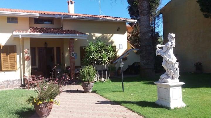 Appartamento mansardato  in villa indipendente