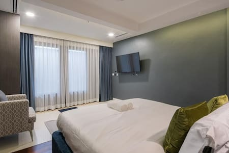 Deluxe room On the Patong Beach