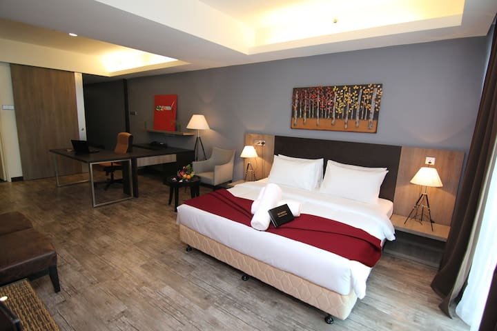 New & HUGE 665 sf Hotel Suite - BEST SELLER ! - Shah Alam