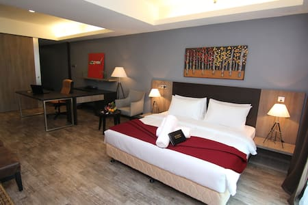 New & HUGE 665 sf Hotel Suite - BEST SELLER ! - Shah Alam - Wohnung