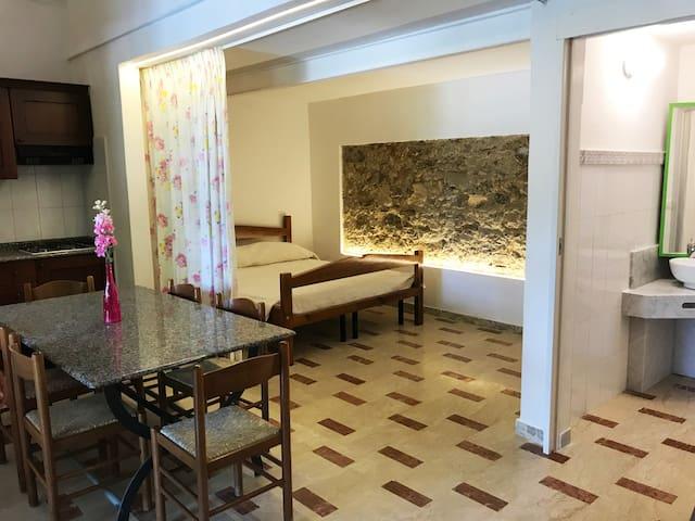 grazioso appartamento con vista piscina
