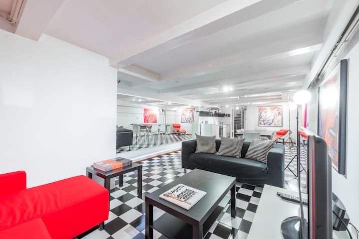 Great central smoker friendly basement apartment