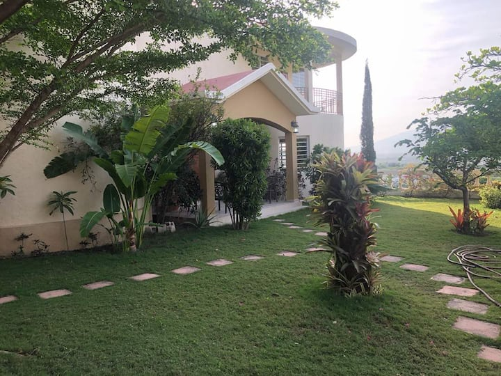Villa in Upscale Port -au-Prince , Haiti