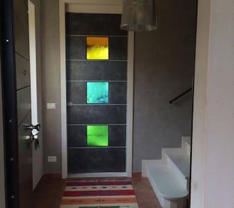Meraviglioso appartamento in villa in campagna - Scoppito - Gästesuite