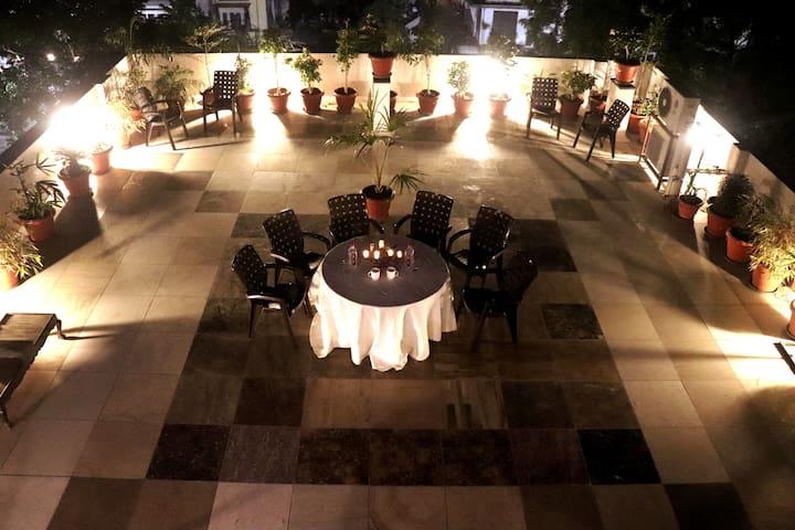 Luxury 2BR w/ Terrace ★Near Markets & Restaurants★