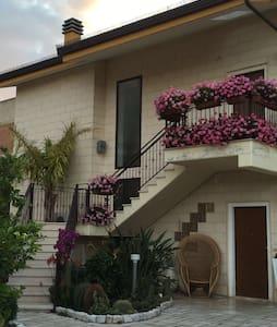 Panoramico appartamento in paese - San Nicandro Garganivo