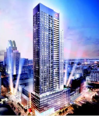 "High End luxury condo in DT Montreal ""Bell Centre"" - Montréal - Condominio"