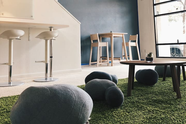 Chill/Play/Work Luxury Loft|7min to SFO & Bart