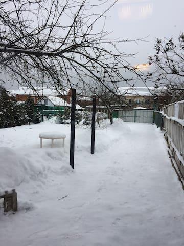 Часть дома с отдельным входом и сад - Петрово-Дальнее - Apartment