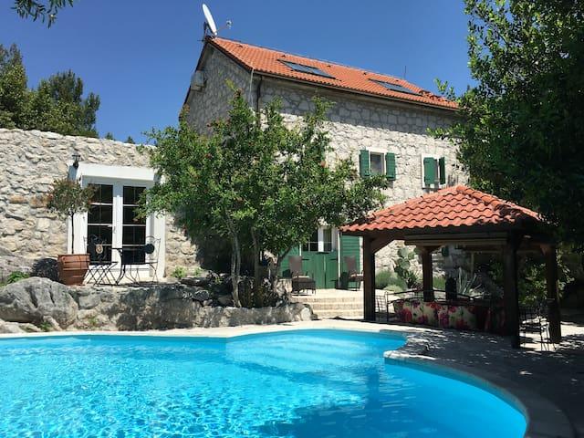 Villa Lovor - Dalmatian Stone House