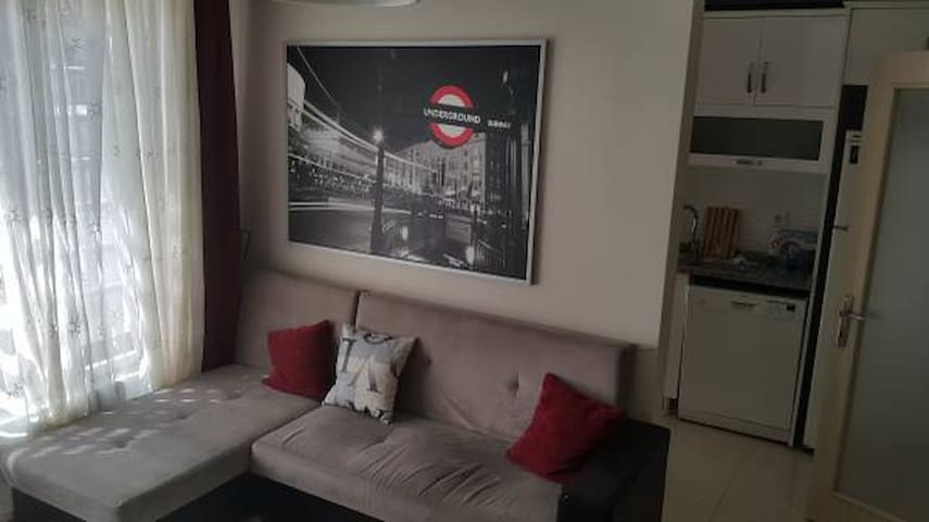 Comfortable and Central Location Home - Apartament