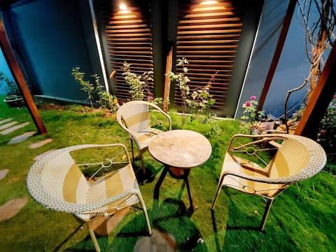 Queen Bed & Nice Garden - The Stay Villa Pleiku