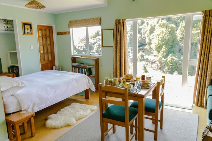 Berrys Bush Lodge - B&B Studio. - Ohakune