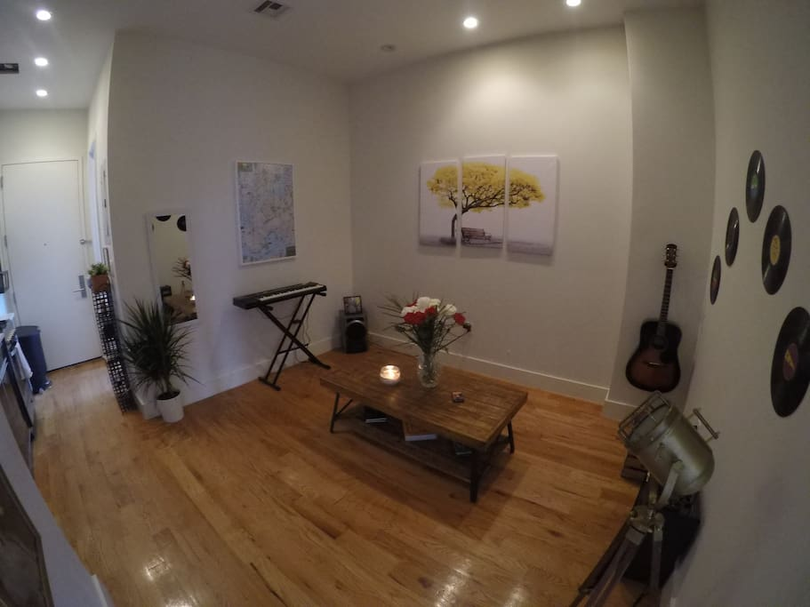 Living room - all instruments work and you are more than welcome to play