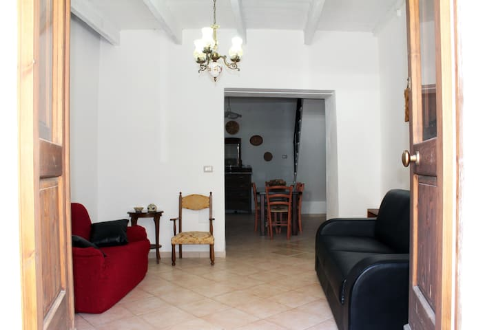 Vacation home | 6/8 people | 5 km. from the beach