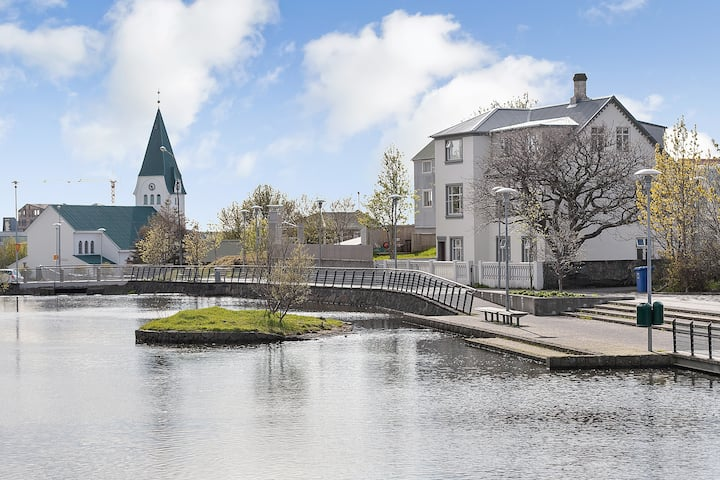 Pond apartment Hafnarfjordur