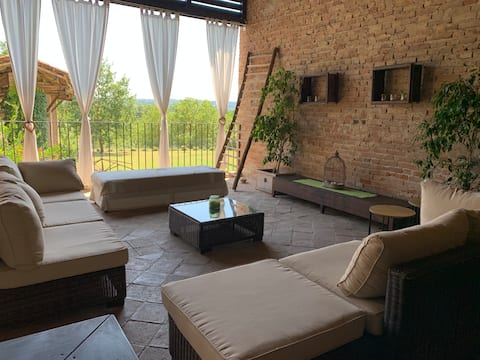 The Berghouse - La casa sul clivo with jacuzzi
