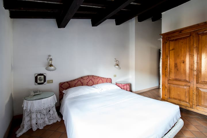 Borgo Antico Apartment for 3 people - Montegridolfo - Serviced apartment
