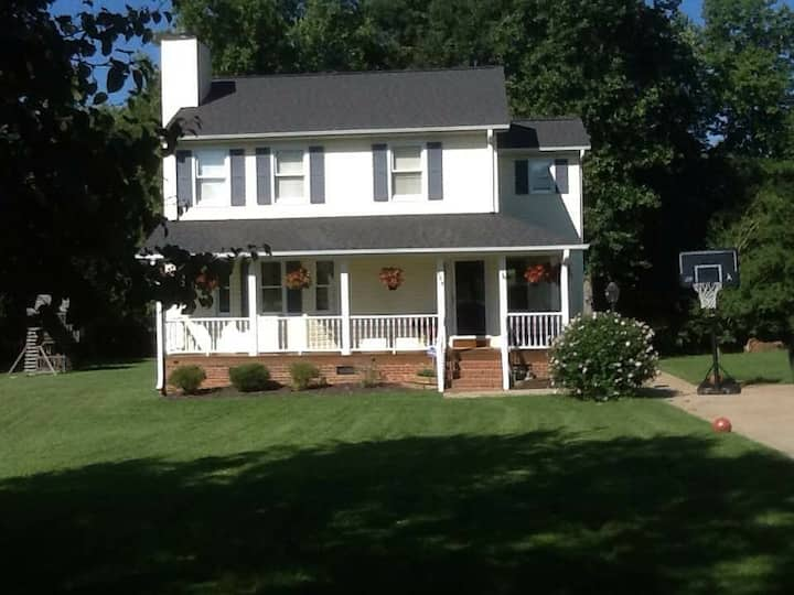 3 Bedroom/2.5 Bath, Near Clemson and Greenville