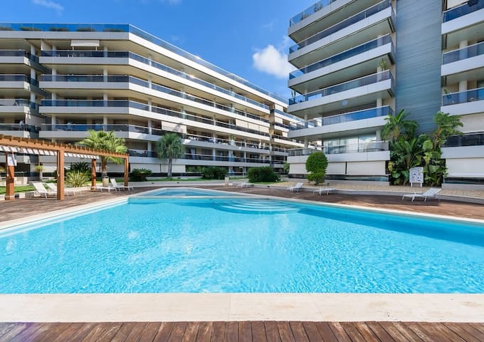 Luxury apartment in Marina Botafoch by the harbour