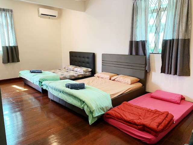 Large Private unit with 2 Queen and 1 Single bed