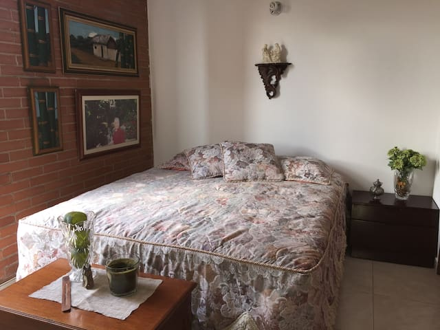 Habitación Para una o dos personas, en Chapinero.