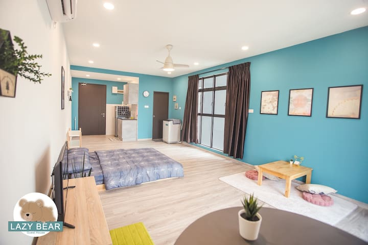 Lazy Bear Guest House【Skudai】 *Wifi*
