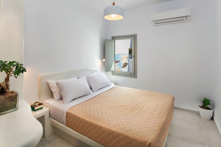 Studio Apartment - Olive Tree Suites