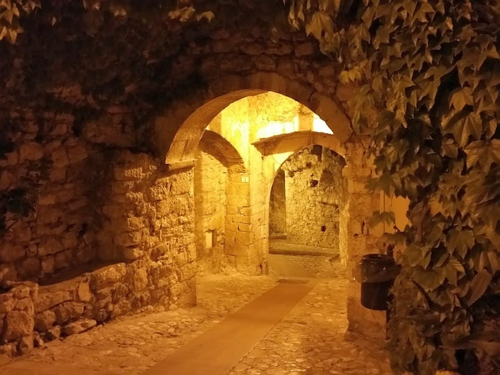 Walking stroll in Eze-Village by night..