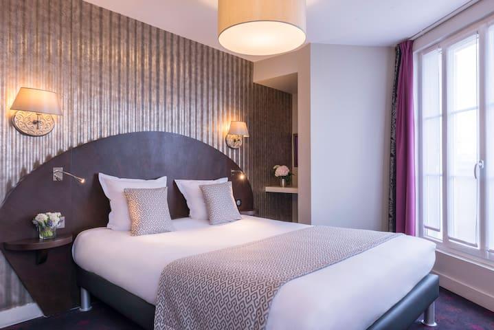 Hôtel De Neuve le Marais ***