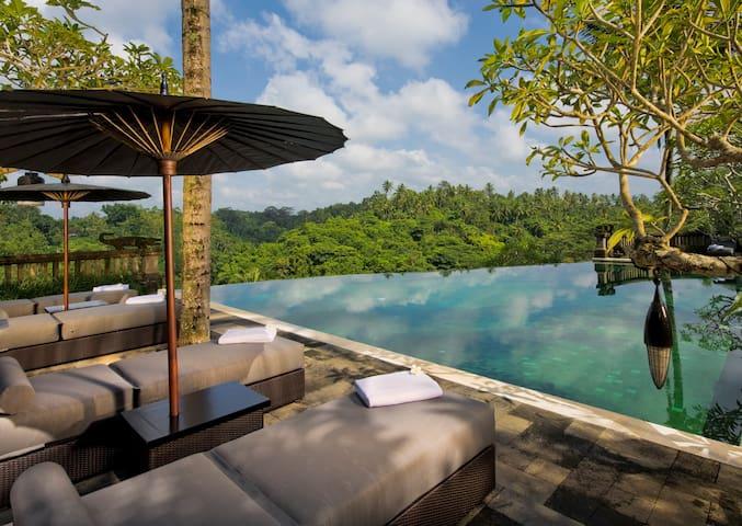 Bukit Naga Estate, Luxury 6.5 Bed Villa, Near Ubud