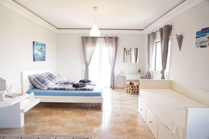 Living Lodge Portugal - Big Ocean View w/Pool