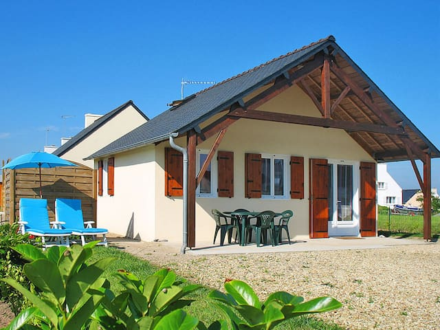 50 m² holiday home in Loctudy for 4 persons