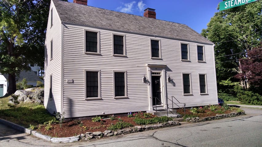 1750 Colonial in Historic New Castle - New Castle - Hus