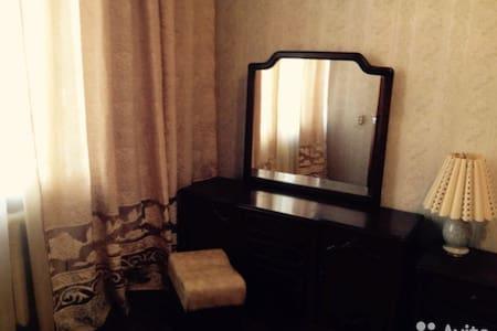 Двухкомнатная квартира в самом центре Новосибирска - 新西伯利亚 - 公寓